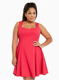 Caution: major curves ahead! This dress was made to love you with a va-va voom textured fuchsia knit that's boosted by figure-flattering fluted seams. A sweetheart neckline is almost NSFW.