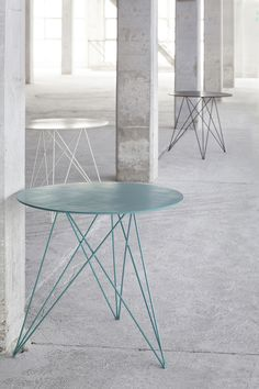 "Charmant bistrotafeltje ""Sticchite' van Antonino Sciortino voor Serax - €439,95 (diam. 75 cm, hoogte 70 cm)"