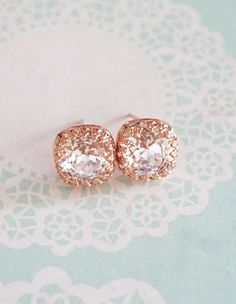 CRYSTALLIZED™ Swarovski® Elements crystals: Crystal Clear Swarovski Cushion Crystal. Delicate Victorian style rose gold plated crown post earring settings. Earrings Settings are also available in Gold / Sterling Silver plated. 925 Sterling Silver Post.Nickel Free.