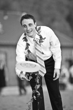 Frisbee fun. Wedding planning by Simply Wed. www.simplywed.com