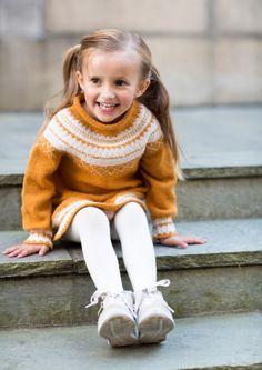 Gudruns Dress by Knitting Inna Knitting pattern by Knitting Inna Knit Baby Dress, Baby Scarf, Baby Dress Patterns, Fingering Yarn, Universal Yarn, Christmas Knitting Patterns, Plymouth Yarn, Lang Yarns, Dress Gloves