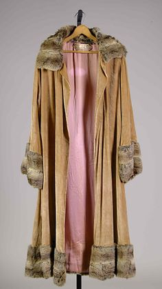 Evening coat House of Patou  (French, founded 1919) Designer: Jean Patou (French, 1887–1936) Date: 1923 Culture: French Medium: Silk, fur, metallic Accession Number: 2009.300.7416