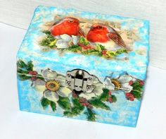Decoupaged box, home decor, pine wood box, Winter bird design, small box decoupage, jewellery storage, small things storage by Tutorialworld on Etsy