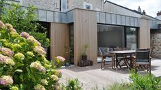 Wood architecture plan garage 57 ideas for 2019 Garage Extension, Building Extension, Extension Veranda, Zinc Cladding, Zinc Roof, Garage Door Design, Wood Architecture, House Extensions, Flat Roof