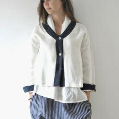 Veste en lin épais blanc, blouse dos nu en lin blanc, sarouel lin rayures sombres