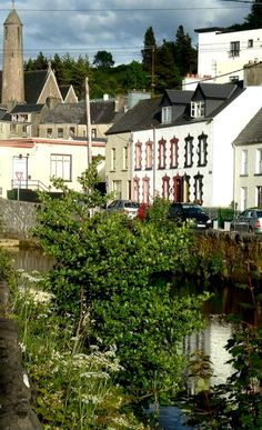 """Water Street, Donegal Town. We stayed """"downtown"""", at the Abbey Hotel. Where I ruined the radiator!"""