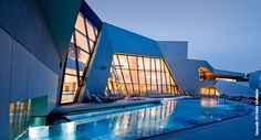 Kärnten Therme Holiday Service, Hotels, Heart Of Europe, Austria, Opera House, Places To Go, Fair Grounds, Spa, Building