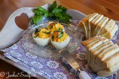 Pull apart Brötchen und überbackene Eier