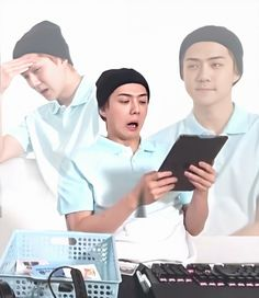 Sehun And Luhan, Exo Chanyeol, Exo Memes, Meme Faces, Funny Faces, Nct, Exo Korea, Z Cam, Kpop Exo