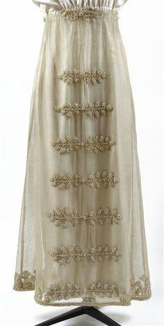 Empress Josephines embroidered wool and muslin skirt (Châteaux de Malmaison et Bois-Préau, Malmaison France) | Grand Ladies