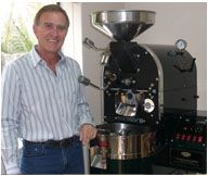 Moka Coffee Roasters : The Cape Town based and family-owned Moka Coffee Roasters has turned coffee crafting into an art and would like to share this with you. Coffee Crafts, Coffee Art, Blended Coffee, Fresh Coffee, Coffee Shops, Coffee Maker, Coffee Making Machine, Moka, Coffee Roasting
