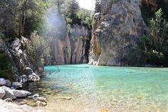 Montanejos Hot springs near Valencia road Murcia, Valencia Beach, Places To Travel, Places To Visit, Spain Holidays, Christmas Travel, What A Wonderful World, Spain Travel, Hot Springs