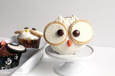 ADORABLE Owl Cupcakes. Easy Halloween #cupcakerecipes