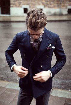 Double breasted blazer and sick hair combo. Gentleman Mode, Gentleman Style, Suit Up, Suit And Tie, Sharp Dressed Man, Well Dressed Men, Stylish Men, Men Casual, Smart Casual