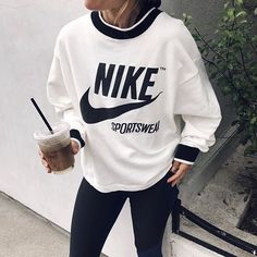 323774171 ᴘɪɴᴛᴇʀᴇsᴛ ❂ ᴄʜᴀʀᴍsᴘᴇᴀᴋғʀᴇᴀᴋ Roupas Femininas, Feminino, Desporto, Moda  Ativa Para Homens, Moda