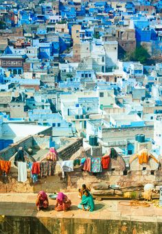 Jodhpur in Rajasthan is Known as the Blue City, here in a view from the Mehrangarh Fort. Hundreds of years ago the Brahmins painted their homes blue in this city in order to set themselves apart. Places To Travel, Places To See, Travel Destinations, Vacation Travel, Travel Deals, Taj Mahal, Jodhpur, Places Around The World, Around The Worlds