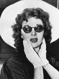 Susan Hayward....eyewear.