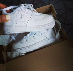 Toddler air force ones<3