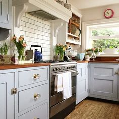 Vicky's Home: Una cocina práctica y llena de encanto /kitchen practical and full of charm.