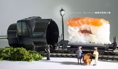 Una stazione ad alta tensione  #sushilove   #machefame #allyoucaneat  #doppiaspina #elettricità #Treno #station #sushi #railroad #track #sandwich #foodart #italianFood #electricity  #vagone #merci #Tokyo #Italia #miniature #miniworld #littlepeople #people