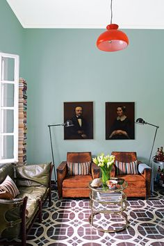 New Trend: Old Portraits of Unfamiliar Faces Used As Home Decor
