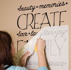 creating vinyl letters for monograms and wall words with a cricut machine.