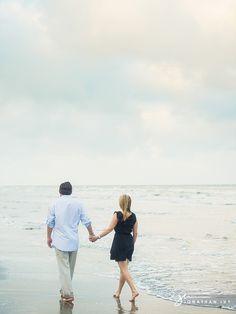 Beach Engagement Photos #galveston #romantic