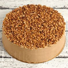 Tarta de moka y almendra / Mocha almond cake Cupcake Recipes, Dog Food Recipes, Dessert Recipes, Just Cakes, Cakes And More, Pie Cake, No Bake Cake, Beignets, Fondant Cakes