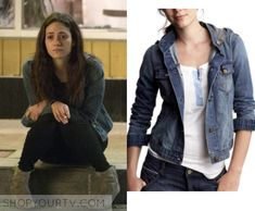 Fiona Gallagher (Emmy Rossum) wears this denim hooded jacket in this week's episode of Shameless. It is the Gap Hooded Denim Jacket. [...]