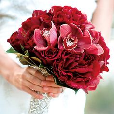 contemporary red wedding bouquets  | Simply Chic Wedding Ideas: Red Bouquets