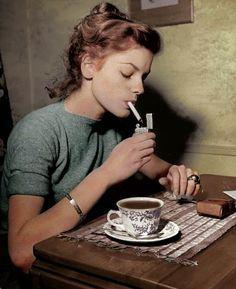 Lauren Bacall,  havin' a cuppa ...