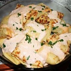 Crepes stuffed with meat and onion, topped with sour cream and paprika. Austrian Recipes, Hungarian Recipes, Hungarian Food, Pasta Recipes, Cooking Recipes, Crepes, Sour Cream, Pancakes, Recipies