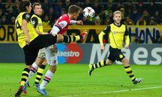 Arsenal x Borussia Dortmund: O Borussia Dortmund já esta classificado, vencendo os seus quatro jogos. O Arsenal pode se garantir hoje na próxima fase, e só....  http://academiadetips.com/equipa/arsenal-x-borussia-dortmund-liga-dos-campeoes/