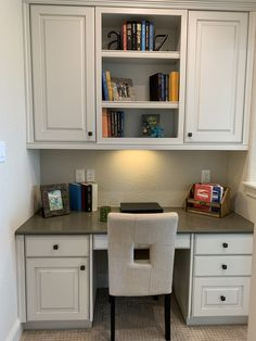 Built in Desk Decorating Ideas Home Staging Companies, Built In Desk, Basement Ideas, Repurposed, Decorating Ideas, Simple, Building, House, Furniture