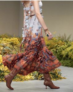 Zimmermann Line Patterns, Tie Dye Skirt, Fashion Brands, What To Wear, Ready To Wear, Gowns, Couture, Silk, Prints