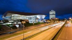 BMW Welt - Google 搜索 Contemporary Architecture, Interior Architecture, Bmw, Mix Use Building, Facade Lighting, Factory Design, Himmelblau, Design Firms, Deco