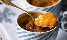 Encharcada. Esta receita de encharcada faz parte da tradição conventual, tal como outros doces à base de ovos e amêndoa, e torna qualquer mesa colorida.