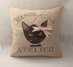 "coussin vintage "" Lily face"" Manor of dolls : Textiles et tapis par manor-of-dolls"