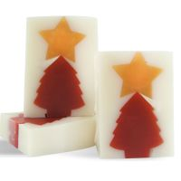 DIY Soap Making Recipe - Very Merry Christmas Soap.  Click image for recipe!!