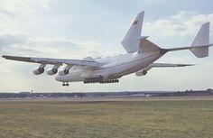 http://englishrussia.com/images/antonov_worlds_largest_jet/7.jpg