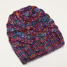 Bamboo hat by Cathei (ravelry nickname). See the pattern in the following link: http://www.ravelry.com/patterns/library/--41