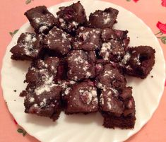 Chocolate-cherry biscuits