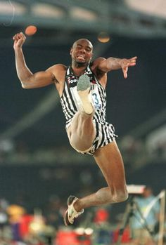 Mike Powell 1968 Olympics, Carl Lewis, American Athletes, Triple Jump, Johnny Mathis, Long Jumpers, World Records, Track And Field, Revolutionaries