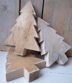 Instant Access To Woodworking Designs, DIY Patterns & Crafts Christmas Wood Crafts, Wooden Christmas Trees, Noel Christmas, Rustic Christmas, Christmas Projects, Winter Christmas, Holiday Crafts, Christmas Ornaments, Xmas Trees