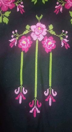 This Pin was discovered by HUZ Cross Stitch Embroidery, Hand Embroidery, Cross Stitch Patterns, Diy And Crafts, Erdem, Palestine, Ribbons, Towels, Cross Stitch