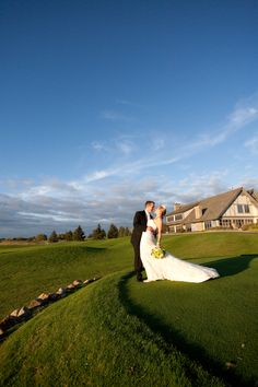 Rush Creek has a beautiful places to take photos! Love this! #RushCreekGolfClub #WeddingPhotographersMinnesota