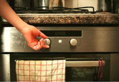 how-to-clean-an-oven