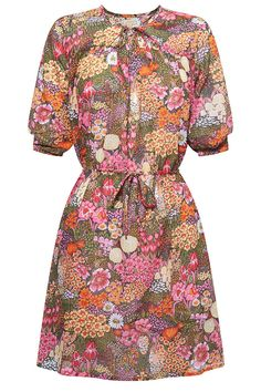 Flattering and pretty print: The Eden dress by Fabrik, via WeeBirdy.com.