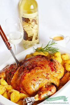 � Acest Pui umplut, este o reteta veche pe care mama mea o gatea mai ales in zilele de sarbatoare. Era si atunci si acum la fel de apreciat si arata intr-un mare fel asezat pe masa plina cu bunatati. Singura modificare ce am adus retetei este ca am uns puiul pe exterior cu o Good Food, Yummy Food, Romanian Food, Dessert Drinks, Dessert Ideas, Cordon Bleu, Roasted Chicken, Desert Recipes, Casserole Recipes