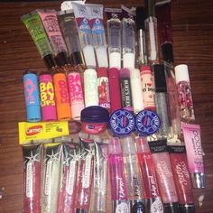 Lip Types, Chapstick Lip Balm, Best Lip Gloss, Lip Oil, Glossy Lips, Lip Moisturizer, Lip Care, Makeup Cosmetics, The Balm